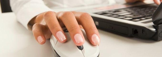hand-on-mouse